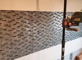 Glasmosaik Wandfliesen im Wohnbereich - Sanierung, Renovierung und Neubau. SCHÄTZ Fliesenverlegung in Dettenheim.