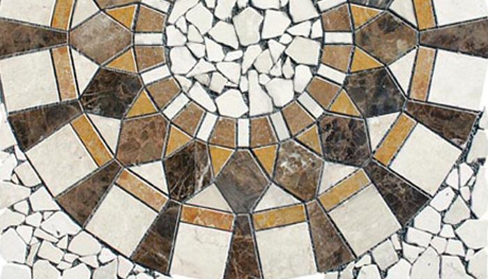 Antik-Marmor: Ob als Platten oder Bruchware bzw. Mosaik, schon die alten Römer wussten den Charme und die Langlebigkeit des Muschelkalksteins zu schätzen.